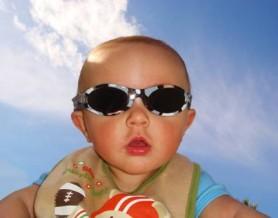 bebe-gafas-sol